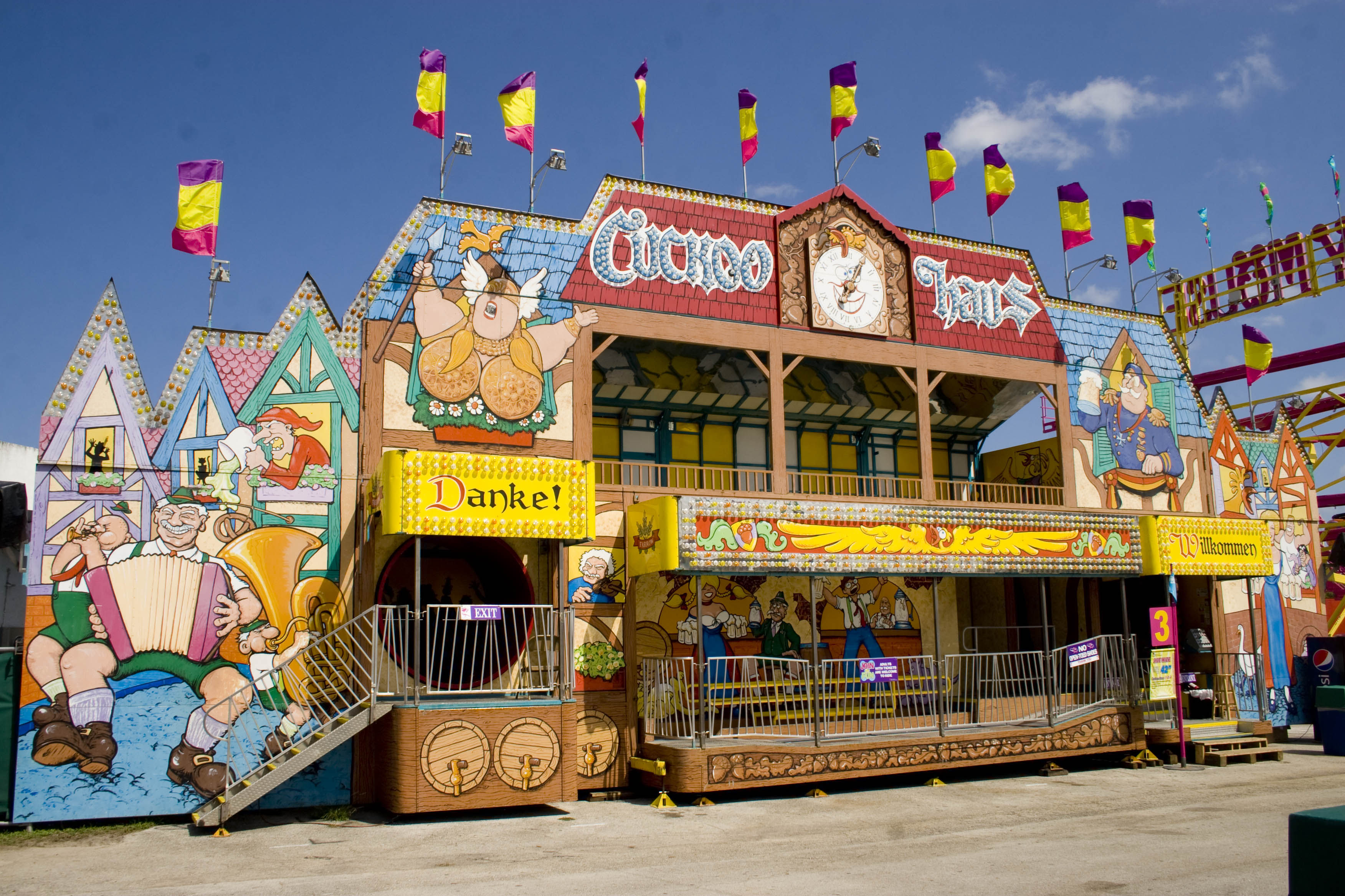 CUCKOO HAUS (6) 1 | Canadian Association Of Fairs & Exhibitions